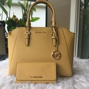 Michael Kors large Ciara satchel with Wallet set